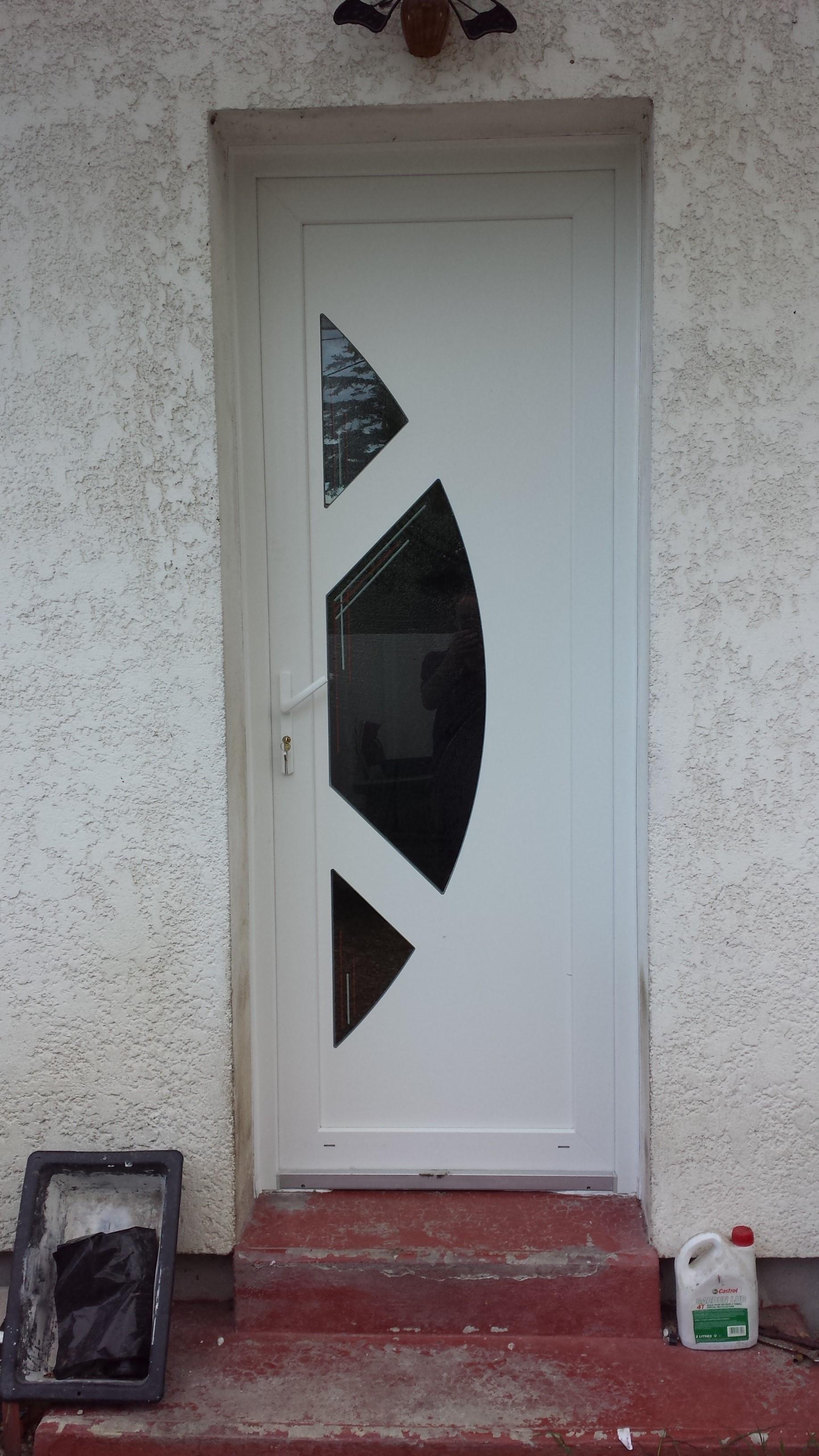 Porte d'entrée mixte blanche